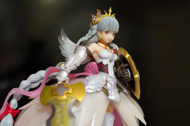 Princess Valkyrie - Puzzle and Dragons Figure by taeliac