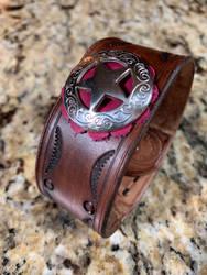 Leather bracelet western style