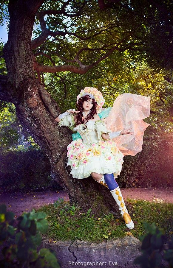 White Rose by PlatinumEgoist