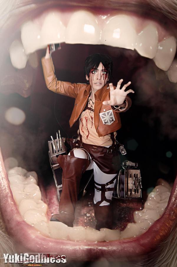 Attack on Titan elen cosplay
