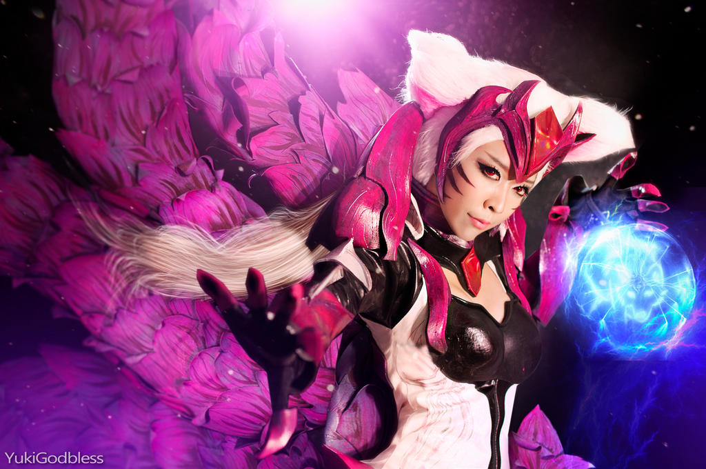 Ahri Challenger Ahri : League of Legends cosplay by yukigodbless