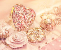 shape of my heart by ivadesign