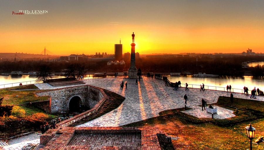 Belgrade's dusk, the night before New Year's Eve by Piroshki-Photography