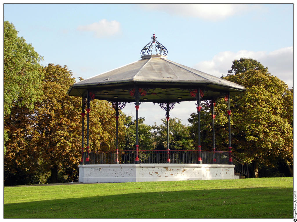 Victorian Bandstand 002 (20.09.13) by LacedShadowDiamond