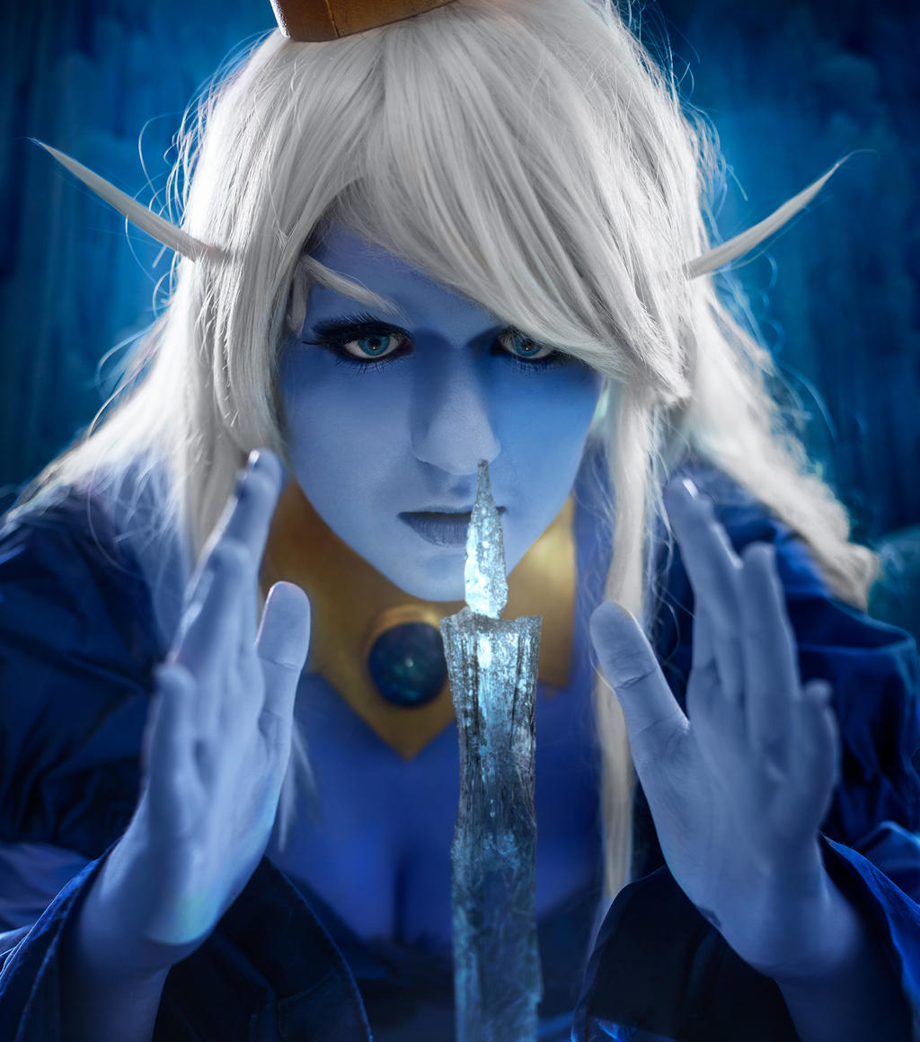Ice Queen - Light in the Dark by Kida-Takashi