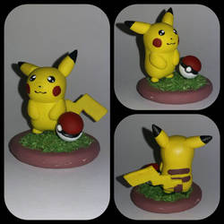 025 - Pikachu and pokeball figure by Luan-crafts