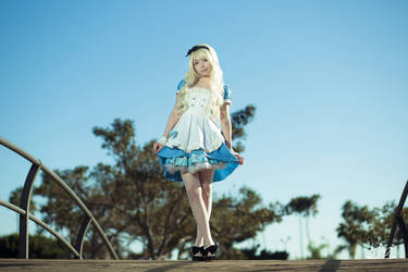 Alice Cosplay 2 by dezutron