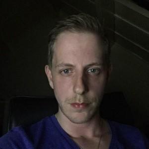 DrawingTheFamous's Profile Picture