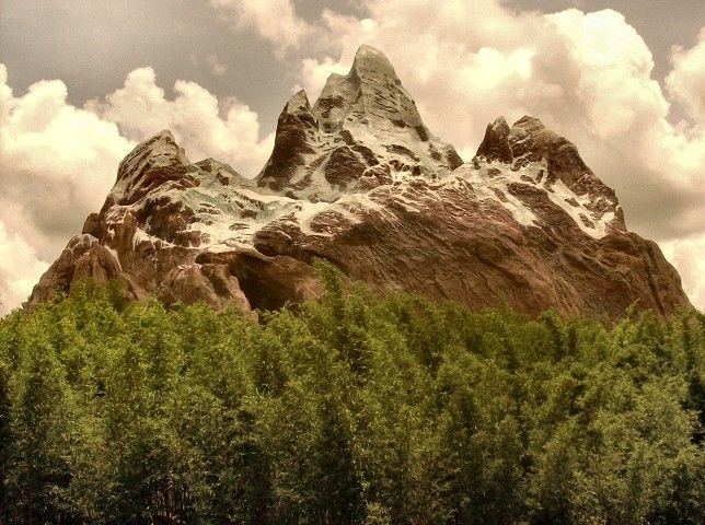 Everest Back .disneyworld. by dwightyoakamfan