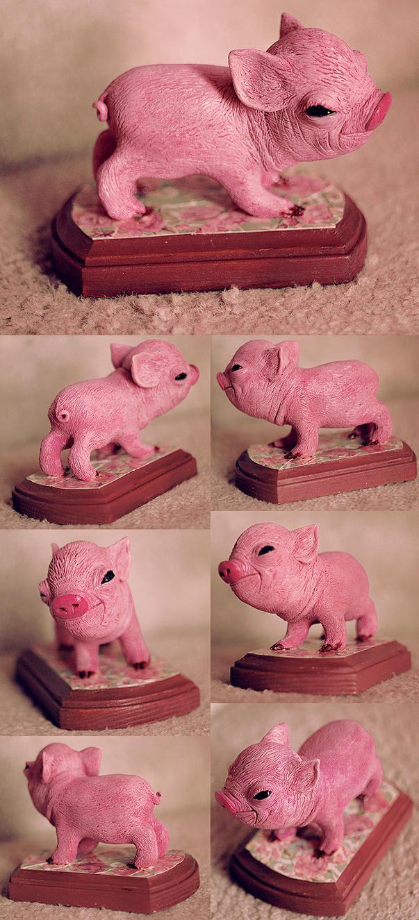 sculpture of a piglet out of sculpey by dwightyoakamfan