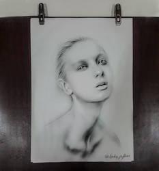 Portrait Girl by DAIGL