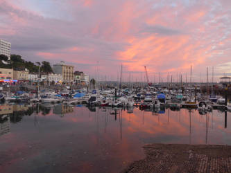 Torquay Sunset by astateofconfusion
