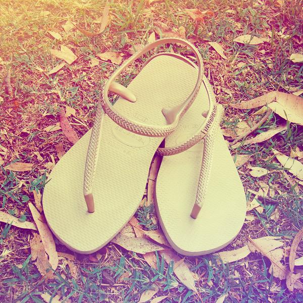 Barefoot by di3ggo
