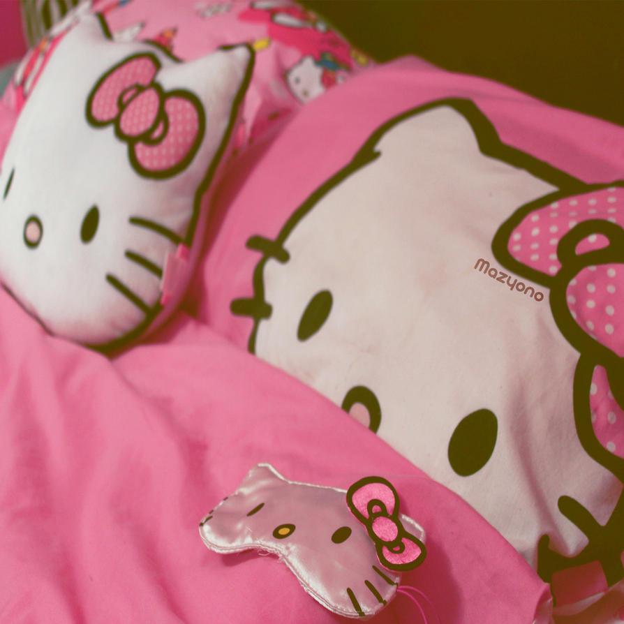 Hello Kitty by mazyono