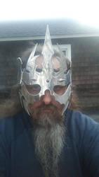 mask war crown
