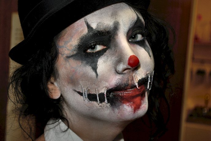 scary clown halloween makeup by tyrannika on deviantart. Black Bedroom Furniture Sets. Home Design Ideas