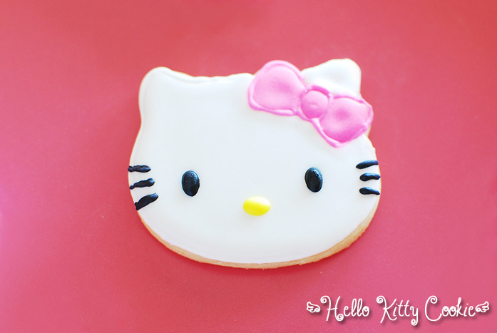 Hello Kitty Cookie by bakingbee
