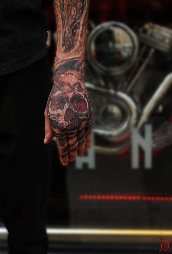 SkullHand by Zsil-works