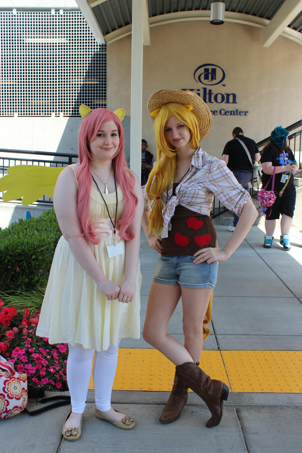 Fluttershy and Applejack by eillahwolf