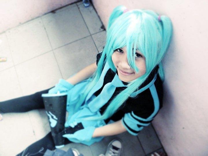 miku hatsune love is war cosplay by noyoshika on deviantart
