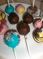 Food: Worth A Try - Cake Pops by Fuwa2-Kyara