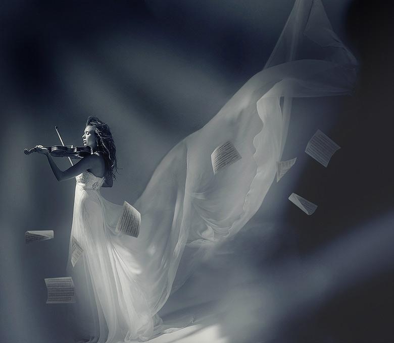 Za poeziju - Page 2 Heart_violin_player_draft_by_ladymartist-d3l9uy5