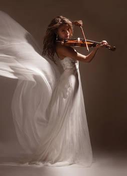 plaing the violin