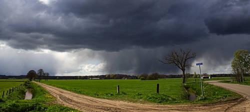 Clouds near Rijssen by janfoto