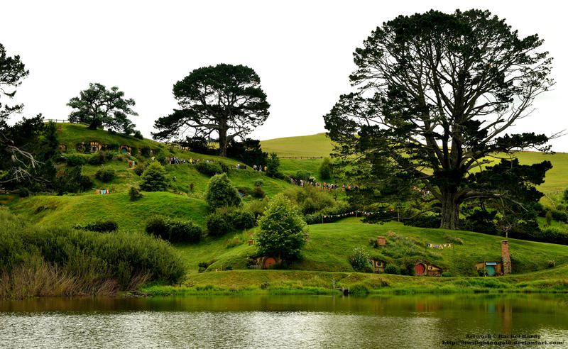 Last Glimpse of the Shire by 8TwilightAngel8