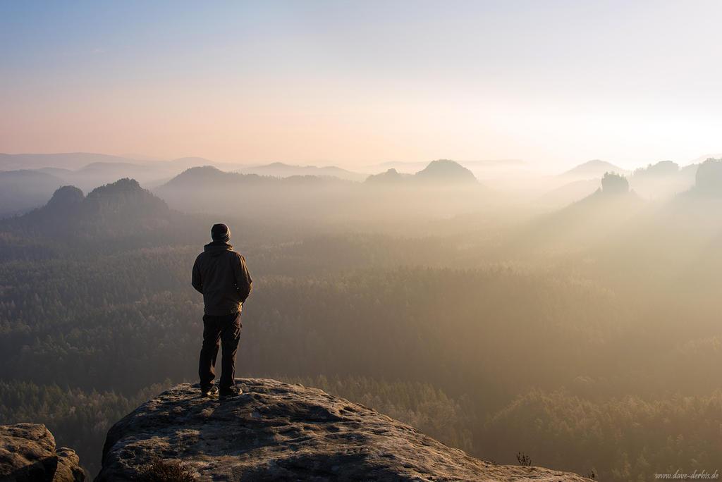 The Hiker by Dave-Derbis