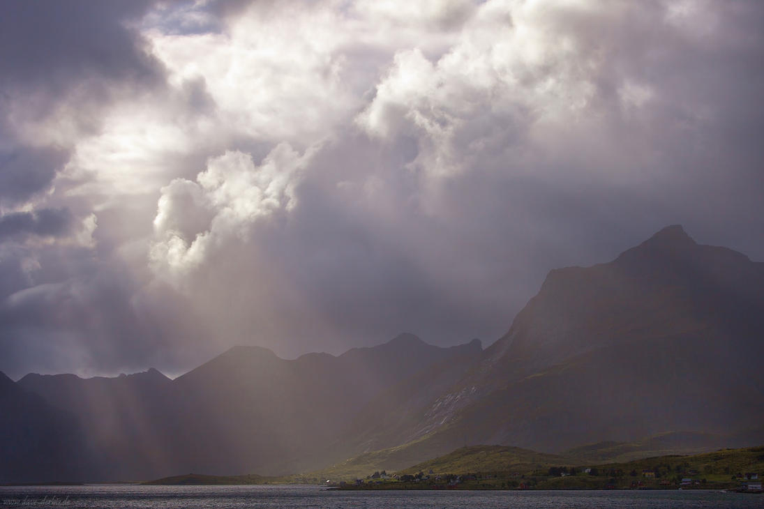 Selfjorden Sunbeams by Dave-Derbis