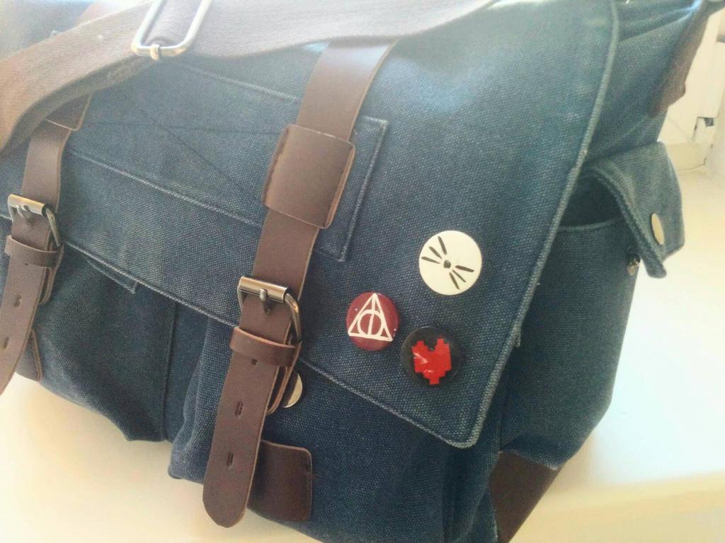 DIY badges by LiliandraW on DeviantArt