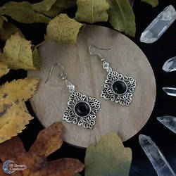 Victorian earringd with onyx stones by Nyjama