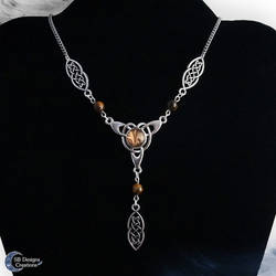 Celtic necklace with tiger eye beads by Nyjama