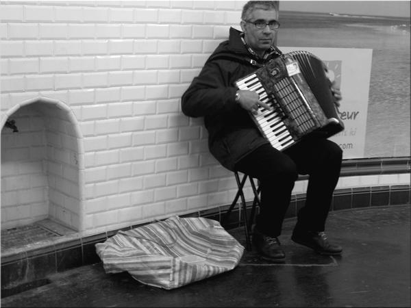 Metro de Paris by H0llyShit