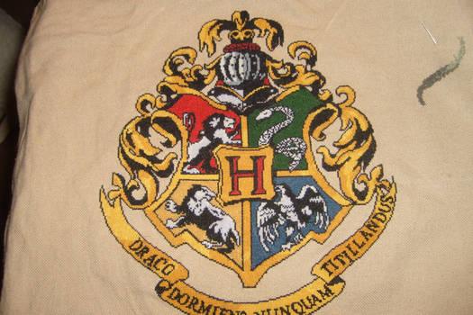 Little Mojo's Hogwarts Crest Complete