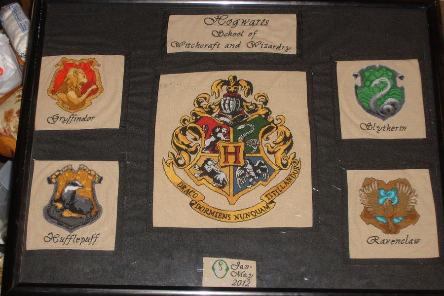 Completed Hogwarts' Crest by Scienceandart
