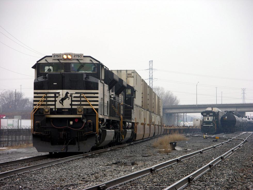 odd trains in yard