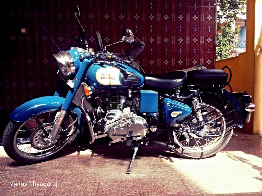 ROYAL ENFIELD CLASSIC 350 BLUE LAGOON by YadavThyagaraj