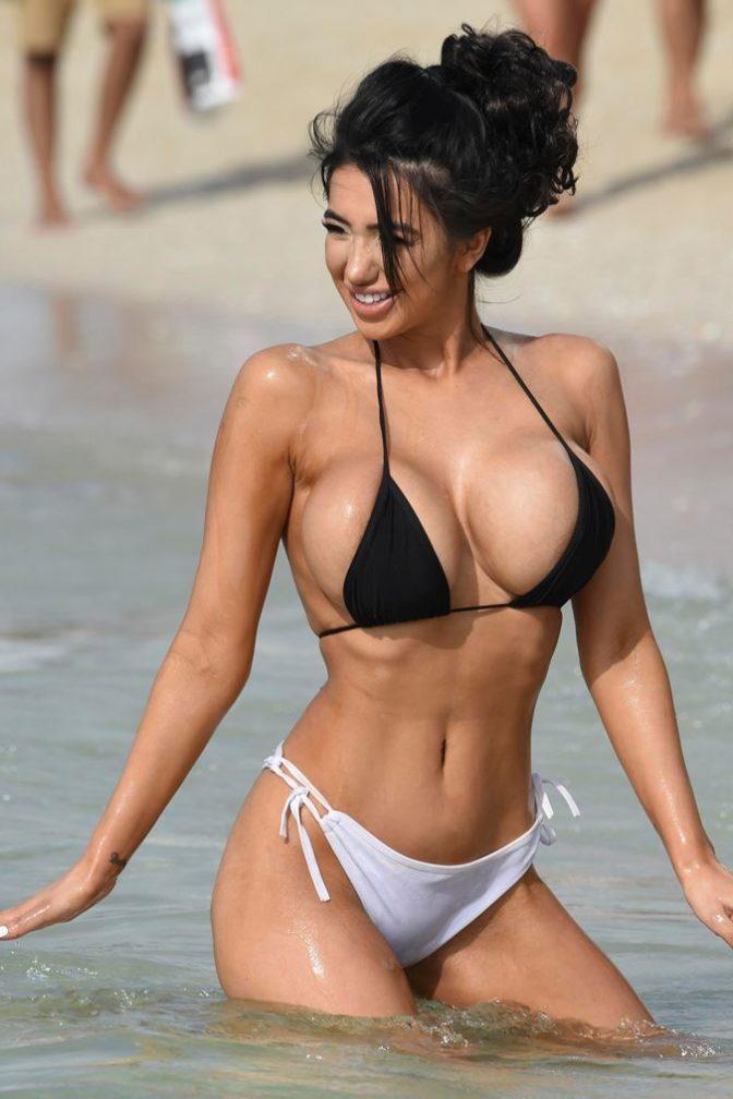 sexy bikini big boobs