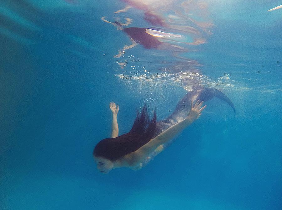 Underwater by Selen-cosvamp