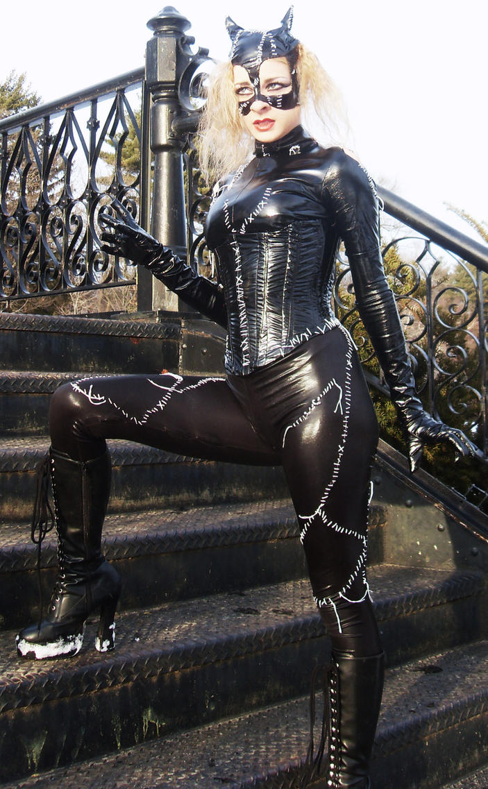 Michelle Pfeiffer Catwoman by gothictutu