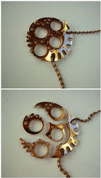 Abyssal Light Gap - four rings Medallion by Atgill