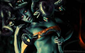 Fata-Medusa-Wallpaper by fantasio