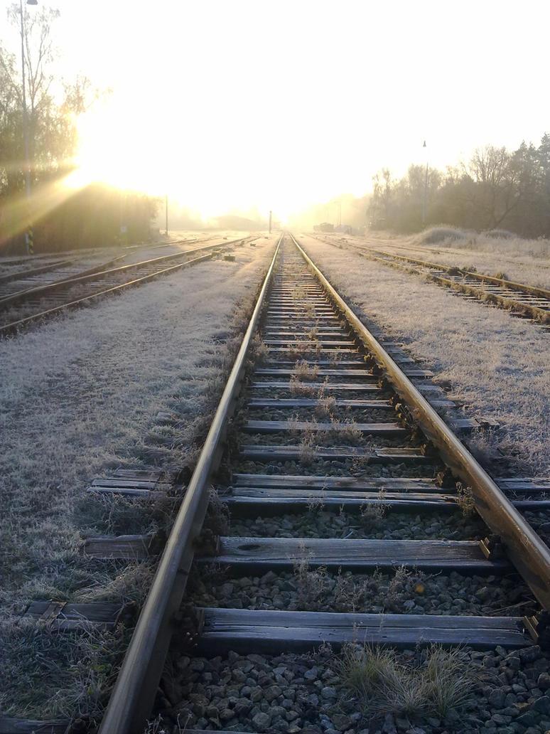 http://th09.deviantart.net/fs70/PRE/i/2012/320/1/e/railway_into_the_sun____by_amudobun-d5l5qh0.jpg