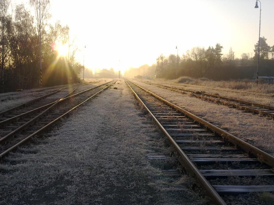 http://fc08.deviantart.net/fs70/i/2012/320/a/b/railway_____take_2__by_amudobun-d5l5qpb.jpg