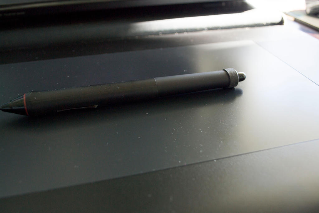 Quick intuos4 Pen Protection Tip-Use a rubber band by Digital-Quill-Studio