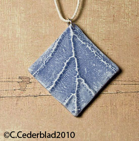 Leaf relief pendant by skuggsida