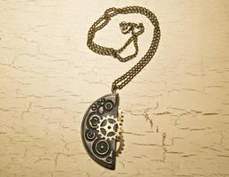 Steampunk necklace by skuggsida