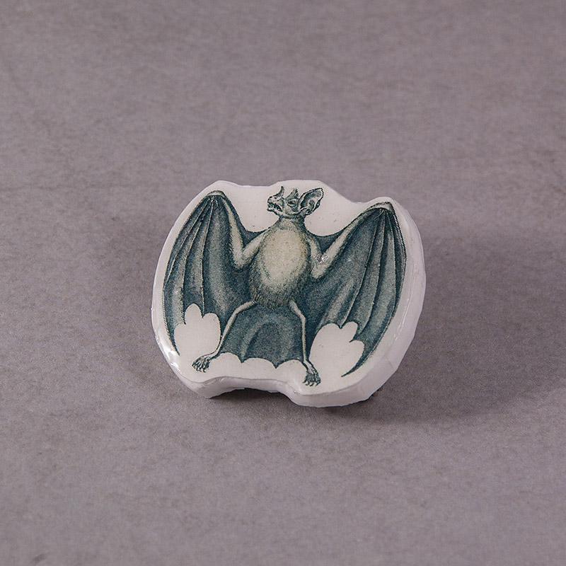 Bat brooch by skuggsida